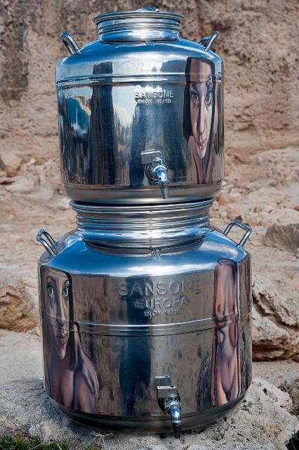 ΛΑΜΠΡΙΝΗ ΜΠΟΒΙΑΤΣΟΥ 2004, χωρίς τίτλο, λάδι σε μ έταλλο, 90x40x40cm