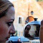 Λαμπρινή Μποβιάτσου: Όταν χρηστικά αντικείμενα καρφώνονται στο ανθρώπινο σώμα