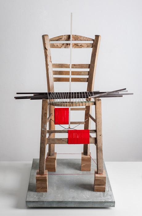 Καρέκλα. Ξύλο, μαλλί, χρώμα, γαλβανισμένος σίδηρος (2014)