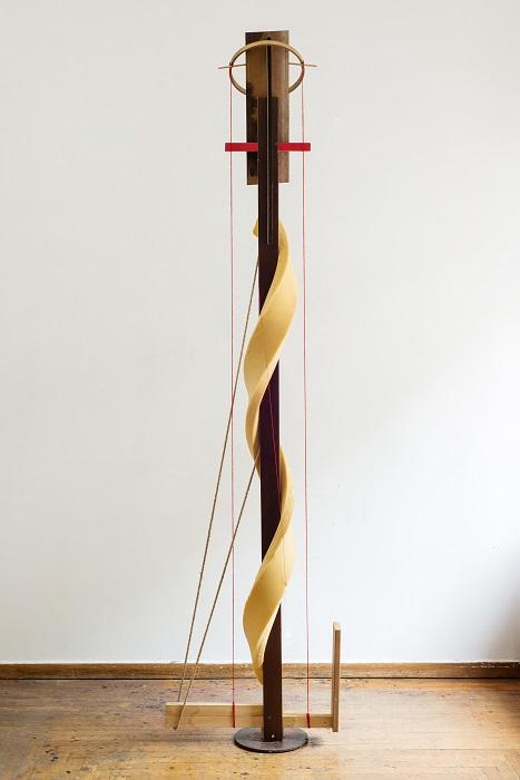Καρλομάγνος. Ξύλο, αφρολέξ, μπρούντζος, μαλλί, σίδηρος, σχοινί, 2014