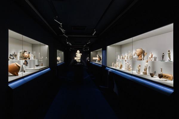 Πάρις Ταβιτιάν © Μουσείο Κυκλαδικής Τέχνης